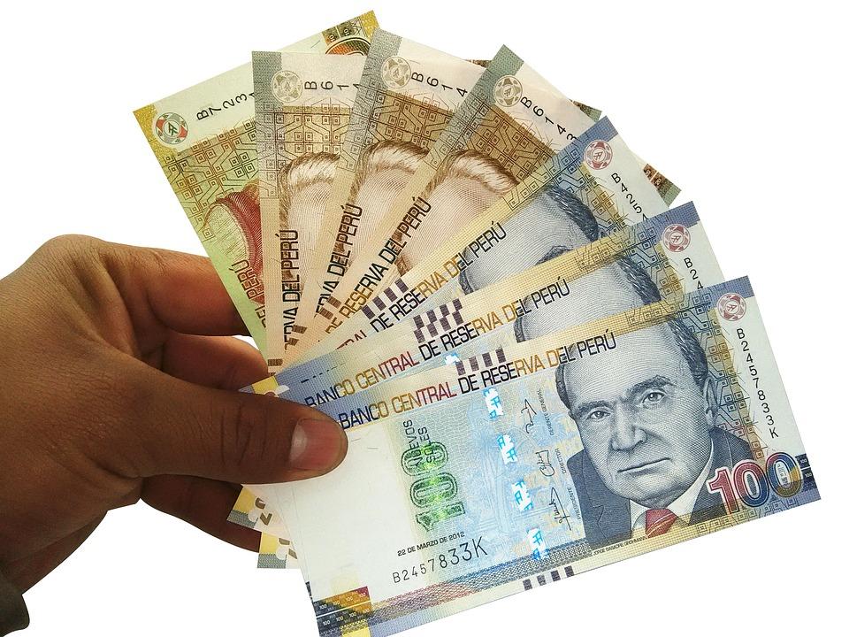 bankovky Peru