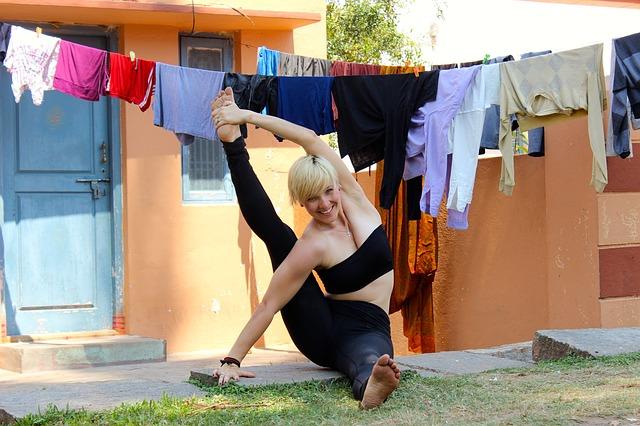 cvičení pod prádlem