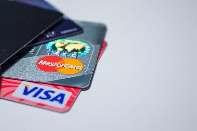 dvě bankovní karty